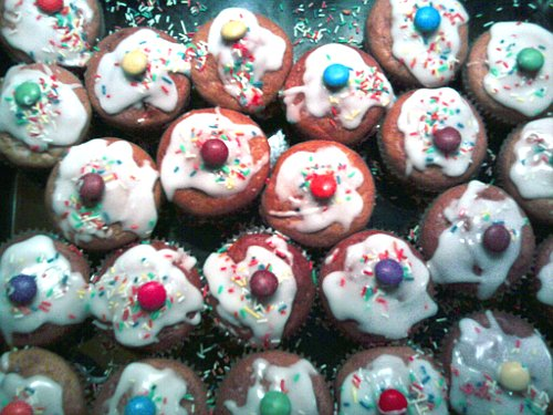Bio-Rübli-Muffins mit Zuckerguss