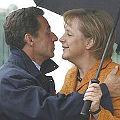 Bild: Alles für die Banken: Sarkozy schmust mit Merkel