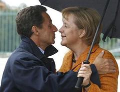 Alles für die Banken: Sarkozy schmust mit Merkel