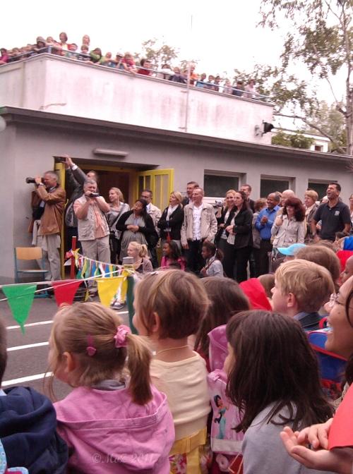 Paparazzi und Mamarazzi am ersten Schultag an der Ebelfeldschule