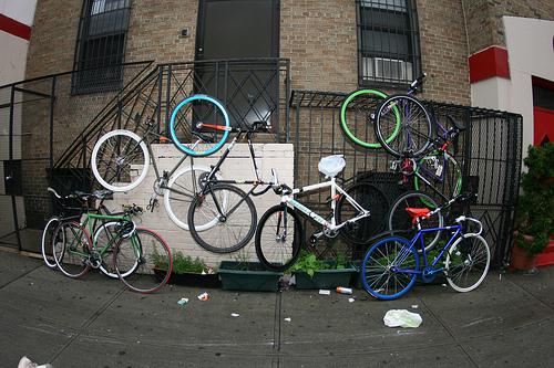 Fahrrad / Bike parken by Incase - Mehrfachhängung