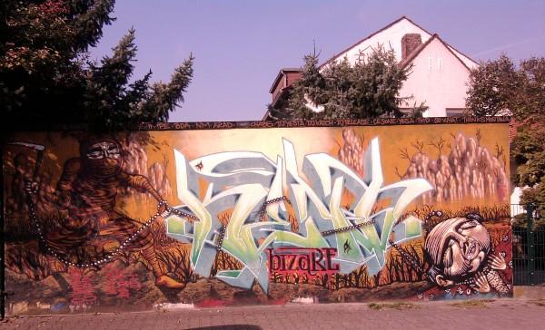 Graffito an einer Garage in Frankfurt am Main - Praunheim