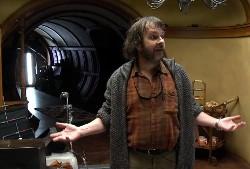 """Hier geht es zu den ersten bewegten Bildern der Dreharbeiten zu """"Der kleine Hobbit"""" - (Peter Jackson im Haus des Hobbits)"""