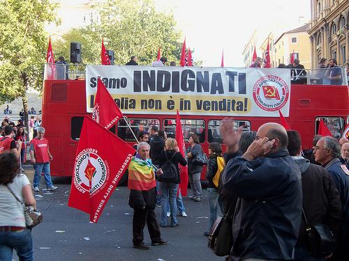 Occupy Rom - Bus - von modenaroid