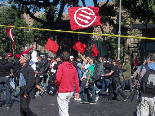 Occupy Rom von modenaroid