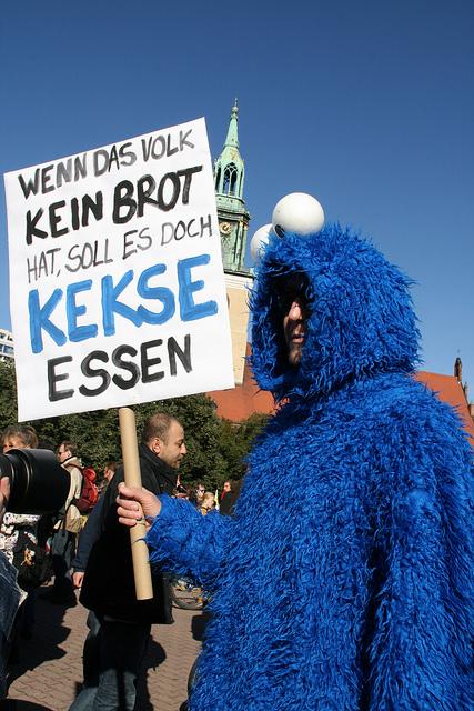 Occupy in Berlin - Krümelmonster - von milenskaya