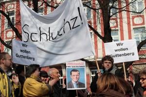 Pro Guttenberg Demo - Bild von Paukner