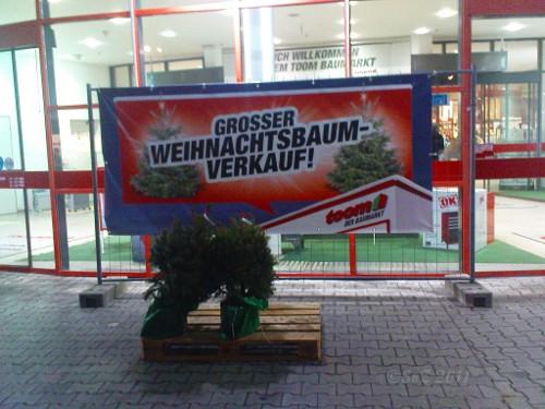 Großer Weihnachtsbaum-Verkauf