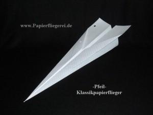 Papierflieger Klassik-Pfeil auf Papierfliegerei.de