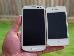 Apple vs Samsung - SIII vs iPhone von Foto von John Biehler