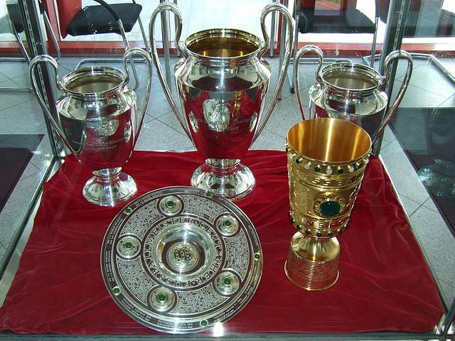 Bild: Champions League 2013: Jeder Deutsche will auch mal, den Champions League Pokal. Hier klicken für ein größeres Bild.