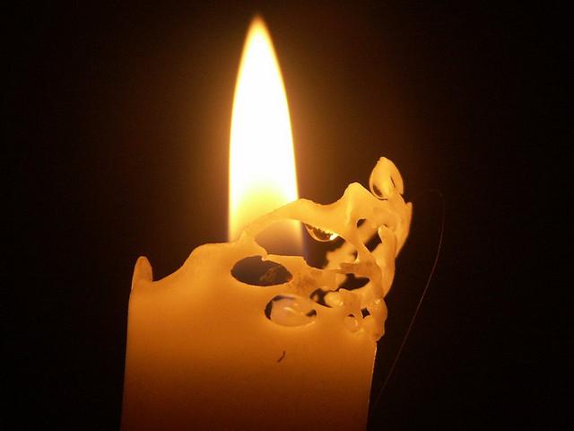 Kerze bei Stromausfall von kruemi