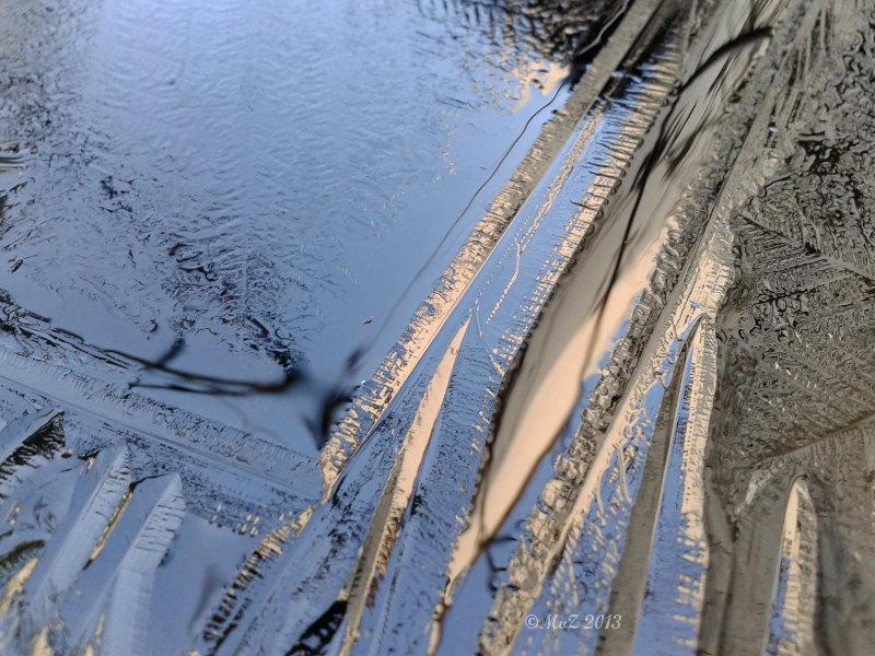 Positiv gedacht bei Eis und blauem Himmel.