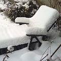 Bild: Positiv gedacht: Die Gartenliege zu früh draußen?