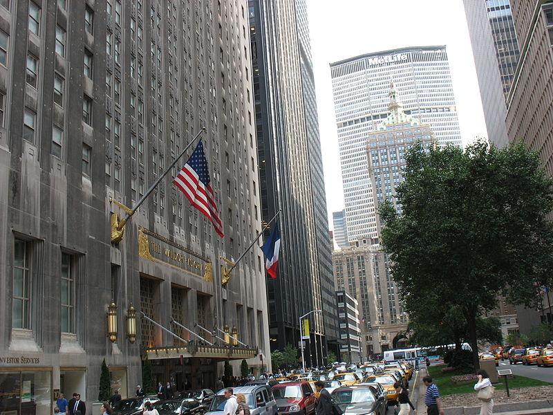 Nach New York reisen und im Waldorf Astoria schlafen