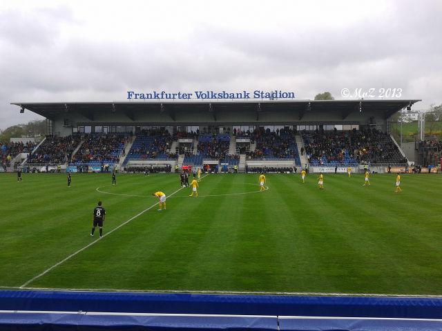 Bild: Positiv gedacht: Heimspiel-Besuch mit meinem Sohn beim FSV (2. Liga) gegen Dresden in familiärer Atmosphäre