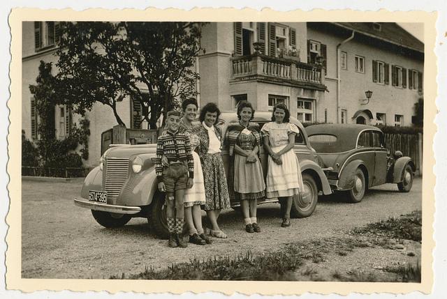 Bild: Familien aus dieser Epoche fanden eine Zeit ohne Auto normal.