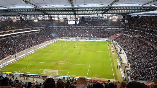 Bild: Eintracht Frankfurt spielt eine Supersaison in einem Superstadion